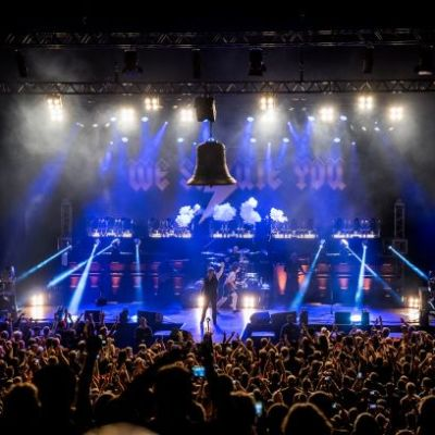 """WE SALUTE YOU - """"World´s biggest tribute to AC/DC, featuring Grant Foster (London/UK)"""""""